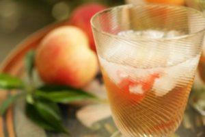 5 рецептов ратафии на персиковых косточках
