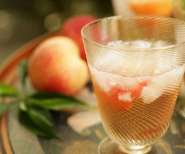 5 рецептов ратафии на персиковых косточек