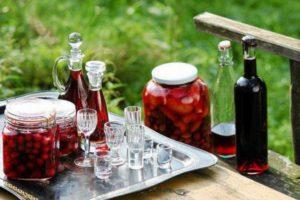 7 вариантов приготовления ратафии из ягод