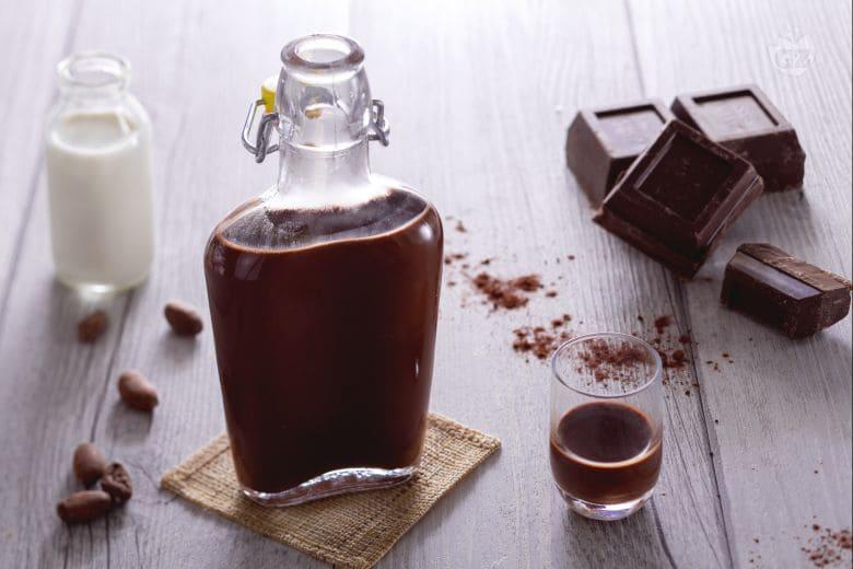 Готовим ароматный шоколадный ликер